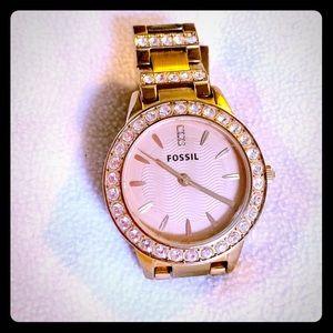 38mm women's rose gold fossil watch